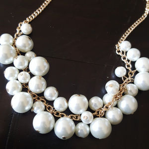 Jewelry - Pearl Beaded Statement Necklace